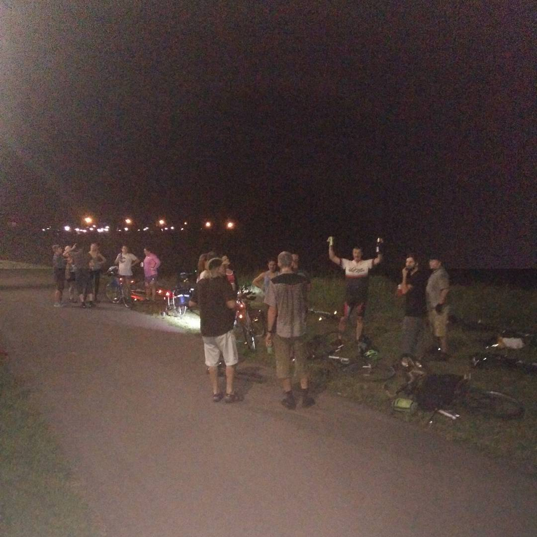 Big crowd on the Tuesday Night Ride. Must have been the donuts courtesy of Bob 'True' Gritman